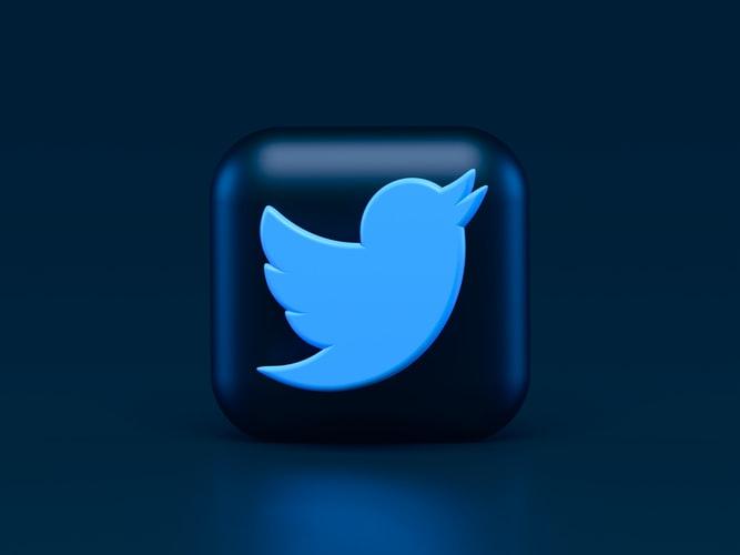 twitter social media updates